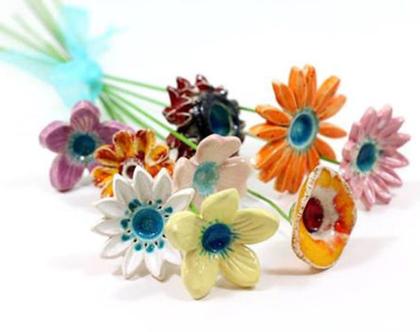 פרחים צבעוניים | פרחים לאירוע | סידור פרחים | זר פרחים | פרחי קרמיקה | עיצוב אירועים | פרחים מקרמיקה | פרחים לשולחן | מתנה לחג