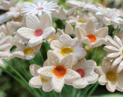 פרחים לאירוע | סידורי פרחים | זר פרחים | פרחי קרמיקה | עיצוב בלבן | פרחים מקרמיקה | פרחים לשולחן | פרחים צבעוניים | עיצוב חתונות