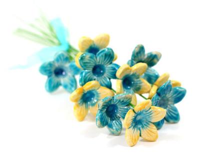 חנוכת בית | פרחים צבעוניים | פרחים לאירוע | מתנה מיוחדת | זר פרחים | פרחי קרמיקה | עיצוב אירועים | פרחים מקרמיקה | פרחים לשולחן | מתנה לחג