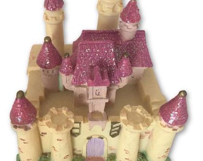 # טירה צבעונית ומרהיבה מקרמיקה מנגנת ללא צורך בסוללות  טירת נוי לבית  קרמיקה לבית  מתנה קטנה ומדהימה  ארמון מקרמיקה מנגן  מתנה מנגנת לבית