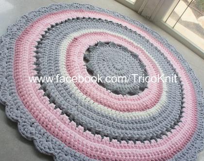 שטיח עגול סרוג ורוד, אפור ושמנת בקוטר 1.20 מטר