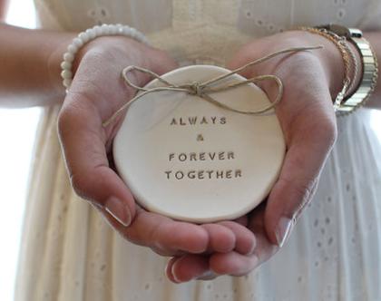 צלוחית לטבעות נישואין   צלוחית לטבעות חתונה   מתנה לכלה   מתנה לכלה   מתנה לחתונה  יום נישואין   מתנה לאירוסין   כרית לטבעות   יום הולדת