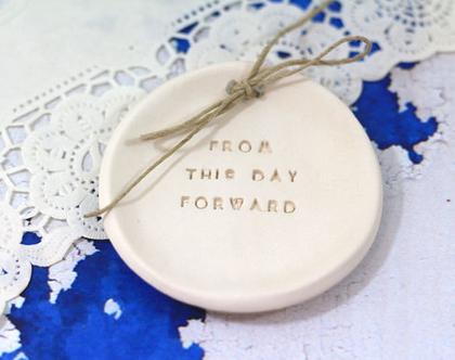 מתנת אירוסין   מתנה ליום נישואין   צלוחית קרמיקה לטבעות נישואין   אקססוריז לחתונה   צלוחית לטבעות חתונה   מתנה לחתונה   יום נישואים