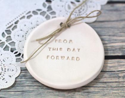 רעיונות לחתונה  מתנה ליום נישואין   צלוחית קרמיקה לטבעות נישואין   אקססוריז לחתונה   צלוחית לטבעות חתונה   מתנה לחתונה   יום נישואים