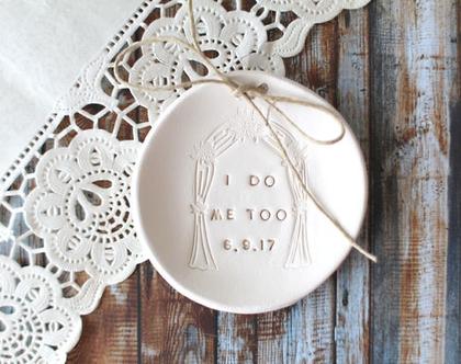 אטרקציה לחתונה   מתנה לחתן וכלה   צלוחית לטבעות נישואין   צלוחית לטבעות חתונה   מתנה לכלה   מתנה לחתונה  יום נישואין   מתנה לאירוסין
