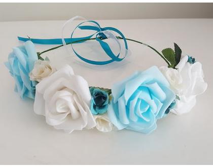 זר לראש | זר פרחי משי | עיטור ראש | כתר פרחים | חגיגה |יומולדת | לבן תכלת | מלאכותי | ורדים | זר ראש לצילומים | שושבינה | מסיבת רווקות |