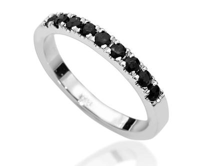 טבעת יהלומים שחורים שורה, טבעת יהלומים, טבעת איטרנטי, טבעת שורה, טבעת יהלומים לאישה, טבעת מתנה לאישה, טבעת זהב ויהלומים, טבעת יהלומים שחורים