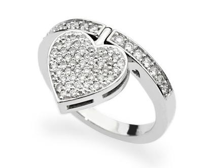 טבעת יהלומים לב SHANTEL , טבעת יהלומים לב, טבעת יהלומים, טבעת מיוחדת, טבעת יהלומים לאישה, טבעת מתנה לאישה, טבעת זהב ויהלומים, טבעת זהב לבן