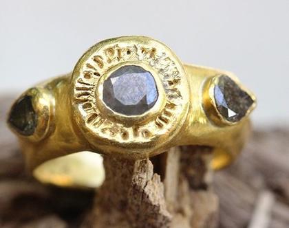 טבעת זהב יהלומים גולמיים, טבעת אירוסין זהב, טבעת זהב וינטג', טבעת זהב עם נוכחות, טבעת אירוסין מרשימה, טבעת זהב עבודת יד, טבעת משובצת יהלומים