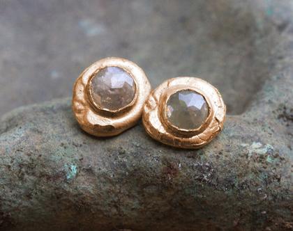 עגילי זהב אדום, עגילי זהב אמיתי, עגילי זהב צמודים, עגילים מעוצבים, עגילי זהב עבודת יד, עגילי יהלום גולמי, עגילי יהלום עדינים, עגילים צמודים