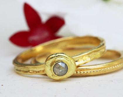 סט טבעות נישואין , טבעת זהב יהלום גולמי, מתנה לאישה, סט טבעות אירוסין, טבעת זהב מיוחדת, סט טבעות לכלה, טבעת יהלום גולמי, סט טבעות עדינות,