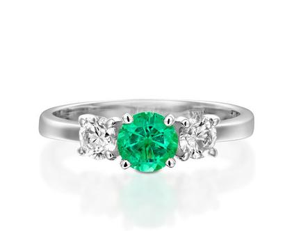 טבעת יהלומים שלושה אבנים VANESSA,טבעת אמרלד, טבעת יהלומים, טבעת מיוחדת, טבעת יהלומים לאישה, טבעת מתנה לאישה, טבעת זהב ויהלומים