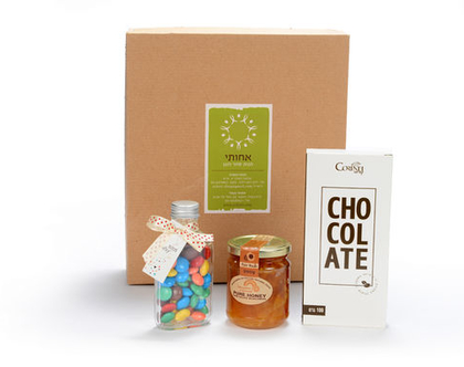 שוקולד עבודת יד דבש וסוכריות עדשים מארז מתנה מתוק