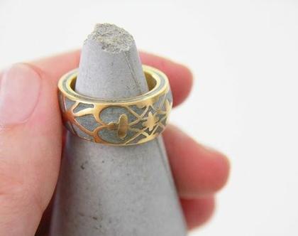 טבעת סטייטמנט - פרלין זהב ובטון