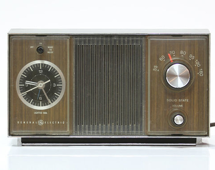 רדיו שעון וינטאג׳ GE