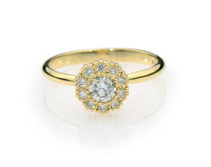 טבעת יהלומים פרח Lilium, טבעת פרח, טבעת יהלומים, טבעת מיוחדת, טבעת יהלומים לאישה, טבעת מתנה לאישה, טבעת זהב ויהלומים