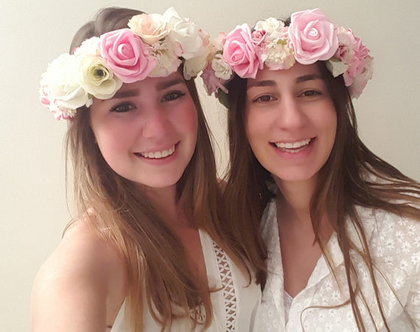 זר לראש | כתר פרחי משי | זר פרחים | עיטור ראש | חגיגה יום הולדת | בת מצווש | לבן ורוד | מלאכותי | ורדים | זר ראש | שושבינה | מסיבת רווקות |