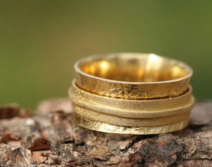 טבעת זהב מעוצבת, מסתובבת, מורכבת משלוש טבעות / R-72