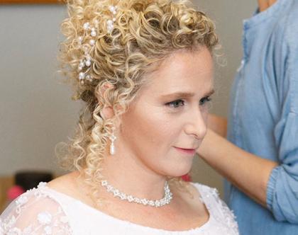 עגילי פנינים לבנות לכלה , תכשיטים לחתונה , תכשיטי פנינים , תכשיטים מעוצבים