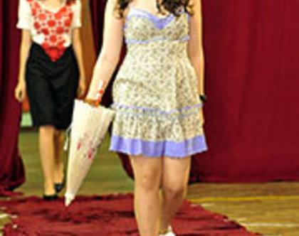 סדנת טרנדים: עיצוב אופנה, גזירה ותפירה לנערות בחופשת קייץ