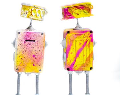 רובוט ממוחזר צבעוני - קופת חיסכון