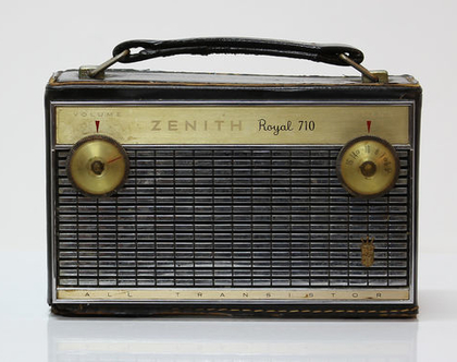 רדיו וינטאג׳ אמריקאי נייד