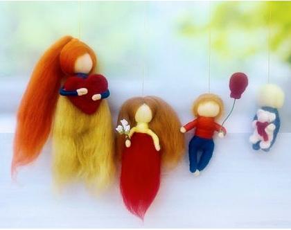 מובייל משפחתי בהזמנה אישית, מובייל 4 בובות, מתנה למשפחה, מתנה ליום האם