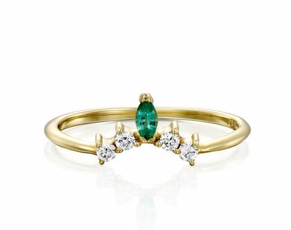 טבעת כתר יהלומים ואמרלד, טבעת כתר יהלומים, טבעת יהלומים מיוחדת, טבעת יהלומים לאישה, טבעת מתנה לאישה, טבעת אמרלד