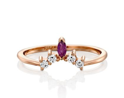 טבעת כתר יהלומים ורובי, טבעת כתר יהלומים, טבעת יהלומים מיוחדת, טבעת יהלומים לאישה, טבעת מתנה לאישה, טבעת רובי אדום