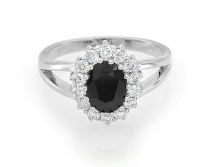 טבעת יהלומים וספיר שחורה,טבעת יהלומים וספיר שחור, טבעת יהלומים, טבעת יהלומים ואבן חן, טבעת יהלומים לאישה, טבעת מתנה לאישה, טבעת זהב ויהלומים