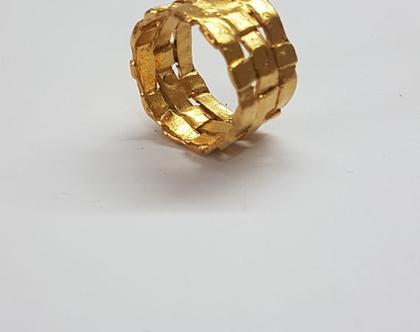 טבעת זהב קלועה, טבעת מעוצבת, טבעת גדולה לאישה, טבעת נישואים, טבעת נישואין, טבעת רחבה, טבעת נישואים לאישה, טבעת עם נוכחות, טבעת בעבודת יד