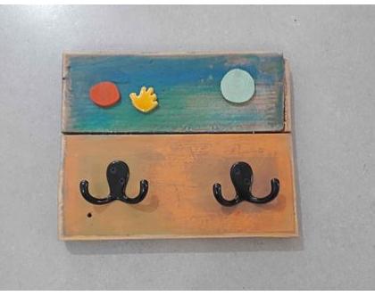 מתלה צבעוני | מתלה עץ | קולב עץ | עיצוב צבעוני |