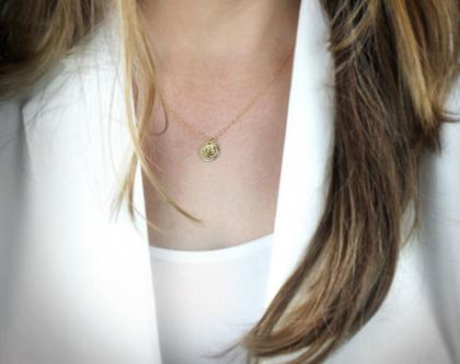 שרשרת זהב עם אבן,שרשרת תליון,שרשרת זהב צהוב,שרשרת שכבות,שרשרת יוקרה,שרשרת רוז גולד,שרשרת יוקרתית,שרשרת קריסטלים,שרשרת ייחודית