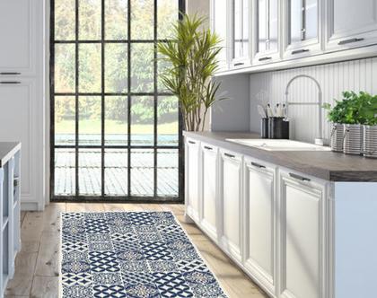 שטיח פי.וי.סי מעוצב דגם Classic White & Blue | שטיח כחול לבן לעיצוב הבית