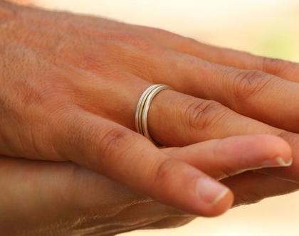 טבעת נישואים לגבר או לאישה מכסף וזהב / R-48