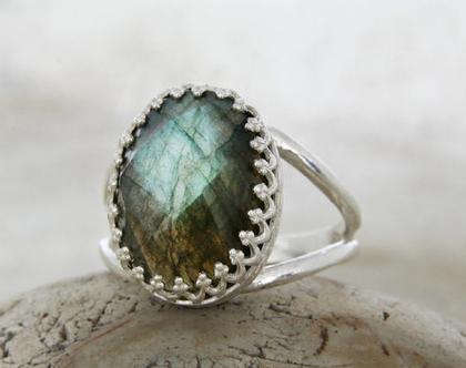 טבעת גולדפילד ורוד,מתנה לחברה,טבעת גולדפילד מיוחדת,מתנה לאשתי,טבעת גולפילד עם אבן,מתנה לאמא חדשה,טבעת זהב,מתנה לאמא,טבעת זהב 14K, לברדורייט
