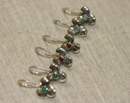 עגילי כסף, עגילים תלויים עם אבן ירוקה, עגילי פרח, עגילי כסף לנערות