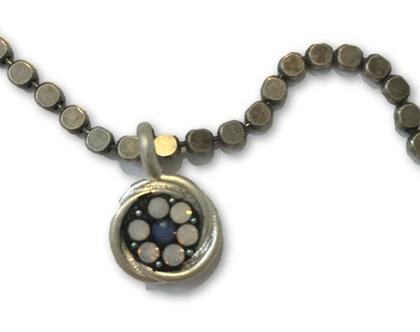 שרשרת מעוצבת / שרשרת לאישה / שרשרת כסף עם תליון מיוחד עגול עם אבנים