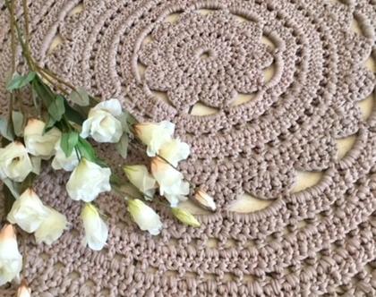 שטיח בעבודת יד בצבע חום אופנתי