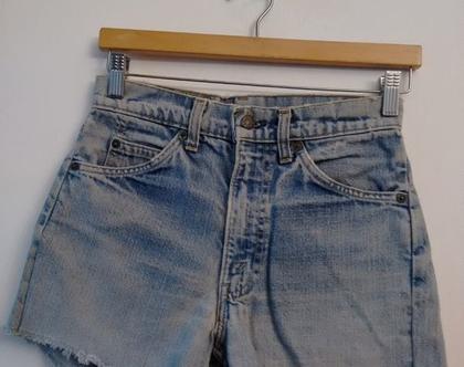 ג'ינס ליוויס LEVIS קצר משופשף תווית כתומה   מכנסי גי'נס קצרים   ג'ינס LEVIS וינטג' מקורי משנות ה 60