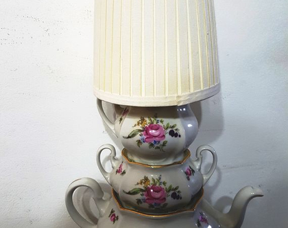 מנורת קומקומי פורצלן חתומים/ אהיל בהיר/ חשמל חדש/ חד פעמית!