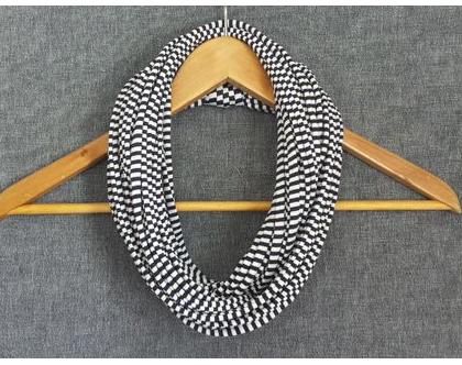 צעיף בד   צעיף חוטים   צעיף שרשרת   צעיף לולאה   שרשרת צעיף   פסים כחול לבן