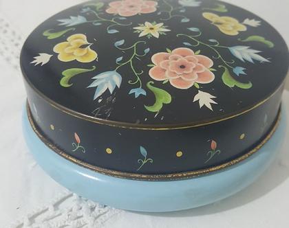 קופסת פח רומנטית עגלגלה וינטג אנגלי שאבי שיק