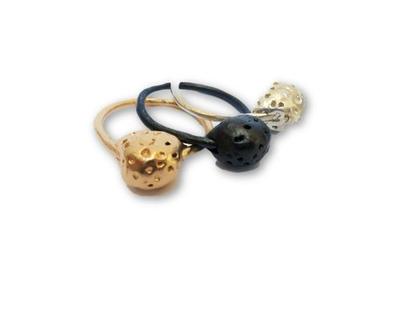 טבעת כדור מרוקעת כסף,זהב,רודים שחור בעבודת יד