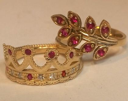 טבעת מזהב צהוב בצורת כתר של מלך אנגליה עם יהלומם 1035