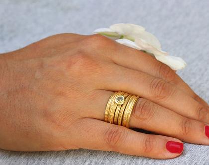 סט טבעות זהב, טבעות נישואין מעוצבות, סט טבעות נישואין, טבעת יהלום גולמי, סט טבעות מעוצבות, טבעת כדורים, טבעות משתלבות, טבעות משלימות