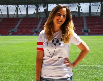 חולצת: כדורגל עושים באהבה