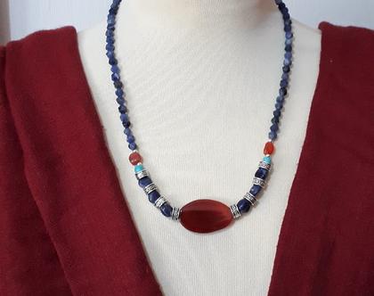 שרשרת סודלית וקארנליאן - שרשרת אבני חן אמיתיות - שרשרת בסגנון אתני - שרשרת בצבעי כחול, אדום וכסף