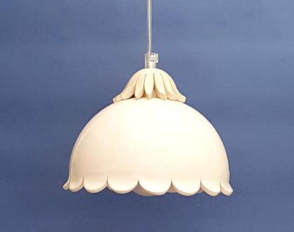 מנורה מקרמיקה בגוון טבעי, לחדר קטן או פינת אוכל