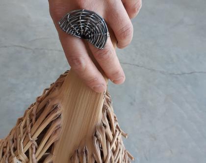 טבעת כסף מושחר, טבעת עם נוכחות, טבעת גדולה, טבעת קלועה, טבעת כסף סטרלינג, טבעת בעבודת יד